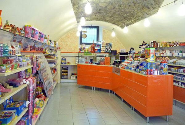 arredamento tabaccheria ricevitoria Brescia